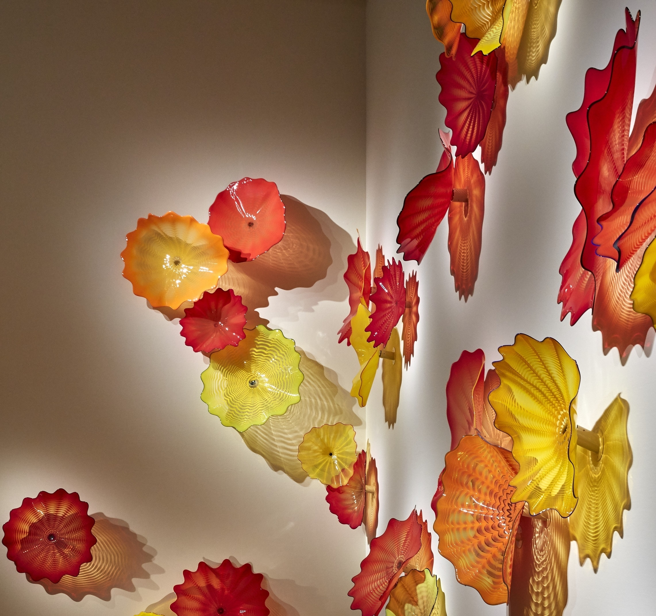 Chihuly_Grand Stairwell Installation