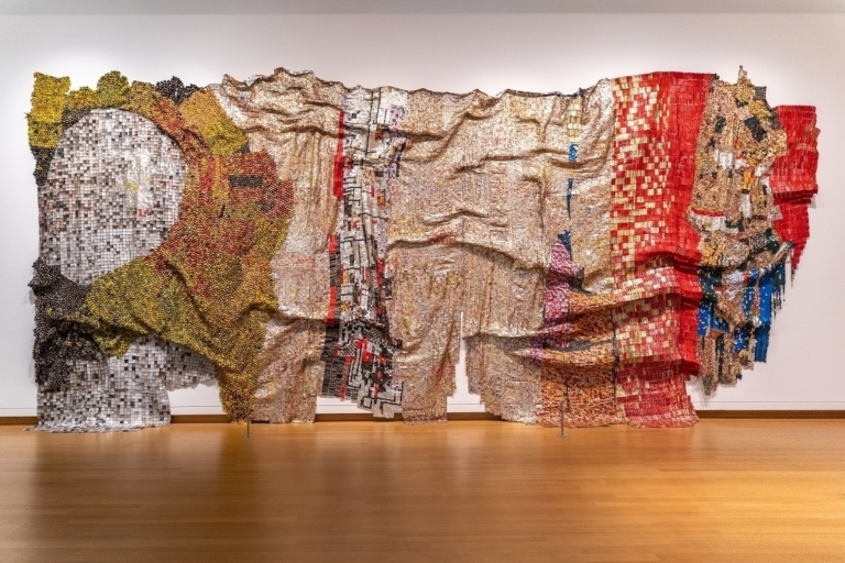El Anatsui In the World but Dont Know the World